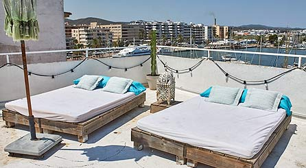 Cheap guesthouse in the seaport, old town and centre of ibiza. Book affordable hotel ibiza